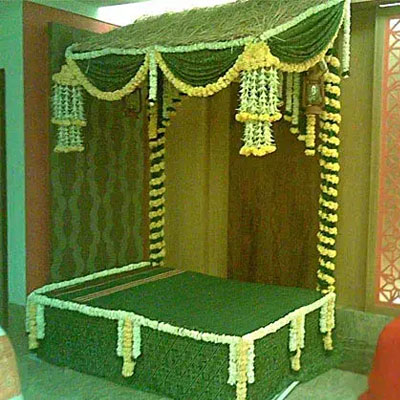 Green Floral Bed Decoration