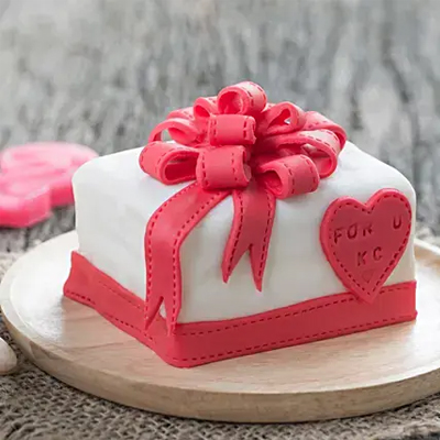Special Gift Fondant Chocolate Cake