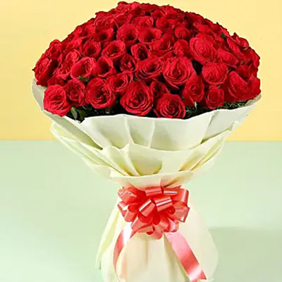 Grand Romance 100 Red Roses