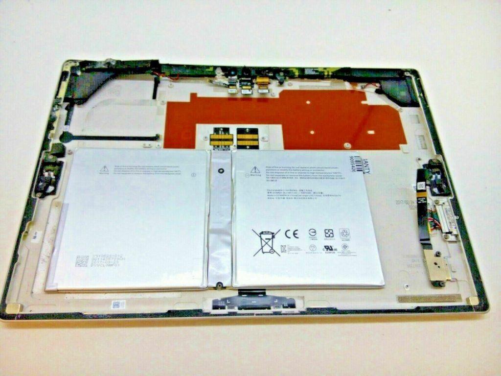 Microsoft Surface 4 pro battery Model 1724